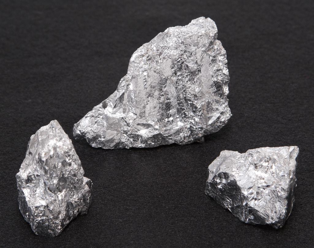 solid chromium lump